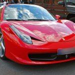 Jízda ve Ferrari jako dárek k maturitě